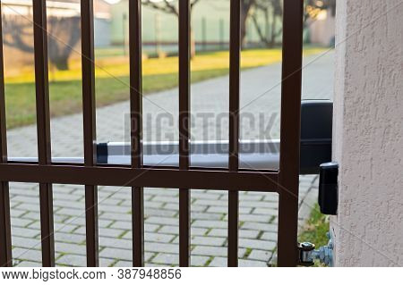 Picture Of An Automatic Door Gate With Motor