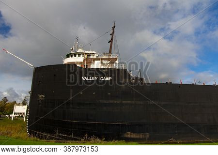 Sault Ste Marie, Michigan, Usa - August 30, 2020: Exterior Of The Retired Freighter Valley Camp. The