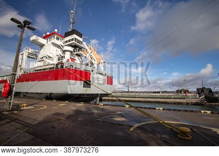 Sault Ste Marie, Michigan, Usa - August 30, 2020: Ocean Freighter The Fuldaborg Sails Through The So