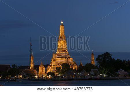 Night Scene Of Wat Arun