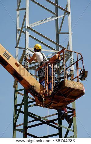 repair pylons high voltage
