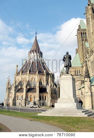Ottawa Parliament Monument Near Library 2008