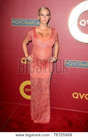 LOS ANGELES - MAR 1:  Kendra Wilkinson at the QVC 5th Annual Red Carpet Style Event at the Four Seasons Hotel on March 1, 2014 in Beverly Hills, CA