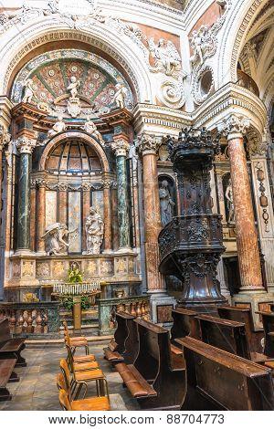 Pulpit at San Lorenzo Church in Turin