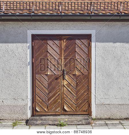 wooden brown door, Munchen, Bavaria Germany