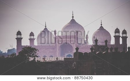Domes of the Badshahi Mosque ( Badshahi masjid )