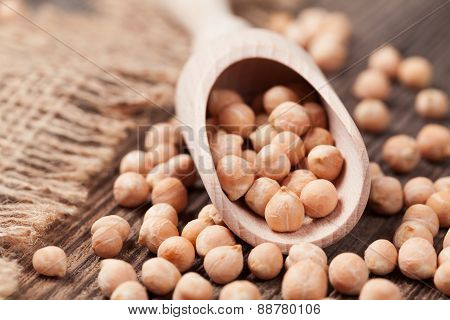 Organic raw chick peas healthy protein nutrition super food in w