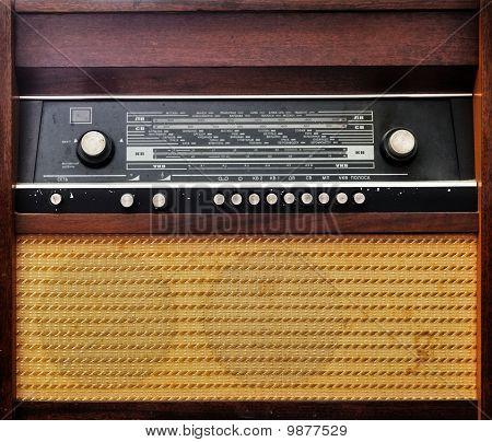 Vintage Old Radio Set