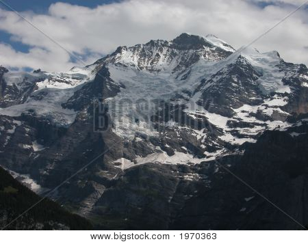 The Jungfrau, Young Lady