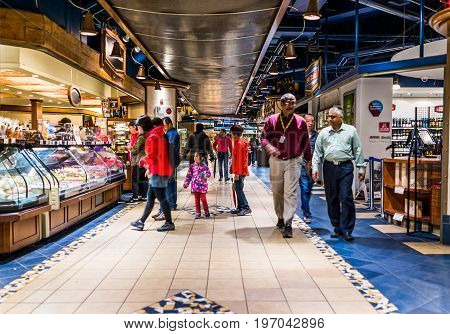 Montreal, Canada - May 26, 2017: Undergound City In Quebec Region With Restaurants And Bakeries And