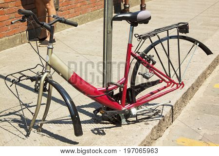 Bicycle with stolen wheels