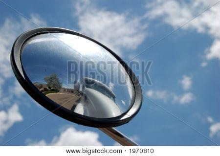 Caminhão no espelho