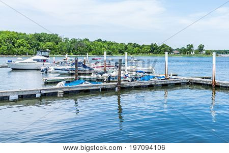 Bronx, Usa - June 11, 2017: City Island Harbor With Boats And Reflection