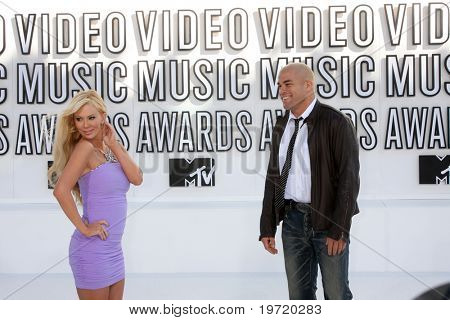 LOS ANGELES - SEP 12:  Jenna Jameson, Tito Ortiz arrive at the 2010 MTV Video Music Awards  at Nokia - LA Live on September 12, 2010 in Los Angeles, CA