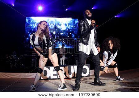 WANTAGH, NY-MAY 31: Singer Jason DeRulo performs onstage at 103.5 KTU's KTUphoria 2015 at Nikon at Jones Beach Theater on May 31, 2015 in Wantagh, NY.