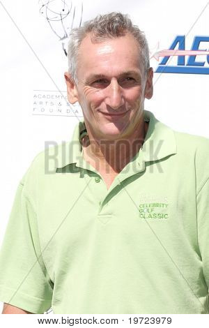 LOS ANGELES - SEP 20:  Matt Craven arrives at the ATAS Golf Tournament 2010 at Private Golf Club on September 20, 2010 in Toluca Lake, CA