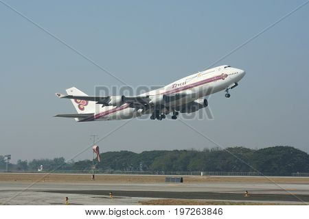 Hs-tga Boeing 747-400 Of Thaiairway.