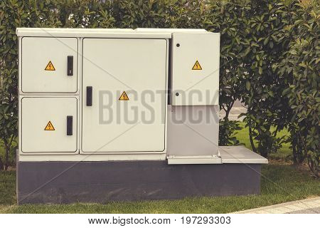 Outdoor Plastic Electrical Cabinet With Warning Signs 5