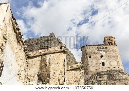 ruins of the San Miguel church and the castle in Maluenda town, province of Zaragoza, Aragon, Spain