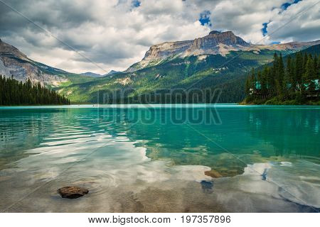 Emerald Lake in Yoho National Park, BC, Canada with the Emerald Lake lode in he background