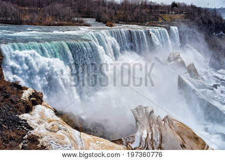 Niagara Falls Usa Early Springtime America