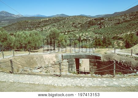 Mycenae Tomb, Grave Circle 4
