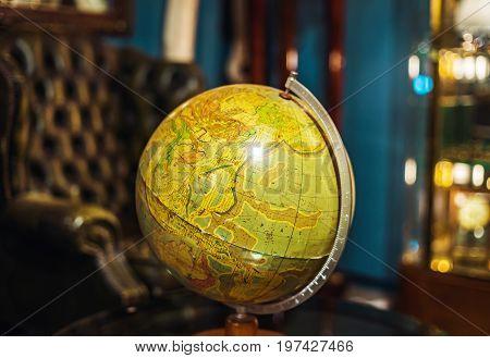 Retro Globus In Antique Shop, Bruxelles