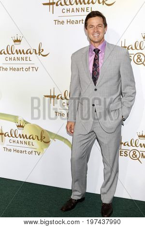 LOS ANGELES - JUL 27:  Eric Close at the Hallmark TCA Summer 2017 Party at the Private Residence on July 27, 2017 in Beverly Hills, CA
