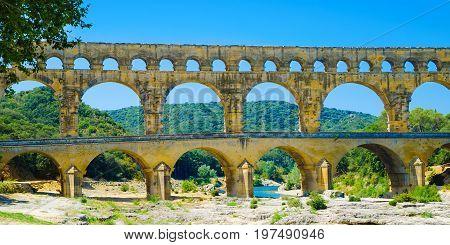 a pont du gard ancient roman aqueduct