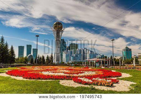Bayterek Tower, Nurzhol Bulvar in Astana, Kazakhstan