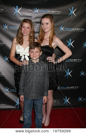 LOS ANGELES - DEC 14:  Rylie Beaty, Madisen Breaty, Declan Beaty attend the