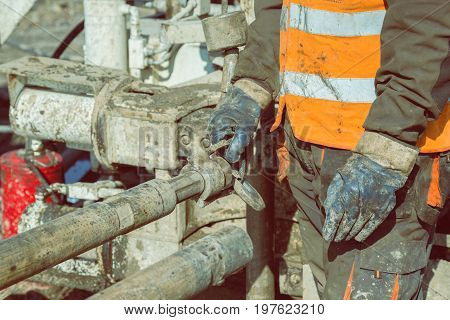 Drilling Crewmen Hands Connect Drill Pipe 4