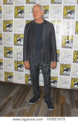 SAN DIEGO - July 22:  Victor Garber at Comic-Con Saturday 2017 at the Comic-Con International Convention on July 22, 2017 in San Diego, CA