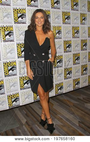 SAN DIEGO - July 21:  Serinda Swan at Comic-Con Friday 2017 at the Comic-Con International Convention on July 21, 2017 in San Diego, CA
