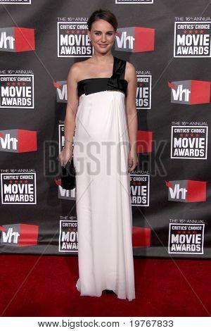LOS ANGELES - JAN 14: Natalie Portman arrives at the 16th Annual Critics' Choice Movie Awards at Hollywood Palladium on January 14, 2011 in Los Angeles, CA