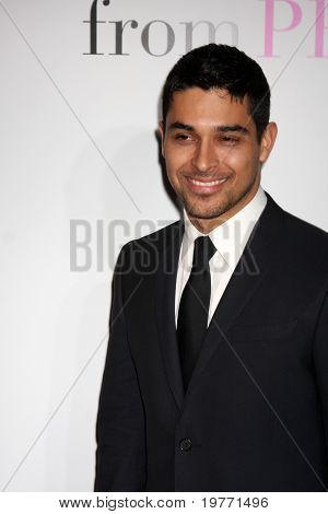 LOS ANGELES - JAN 18:  Wilmer Valderrama arrives at