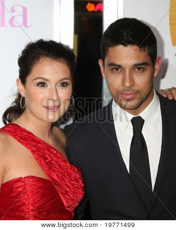 LOS ANGELES - JAN 18:  Alexa Vega, Wilmer Valderamma arrives at
