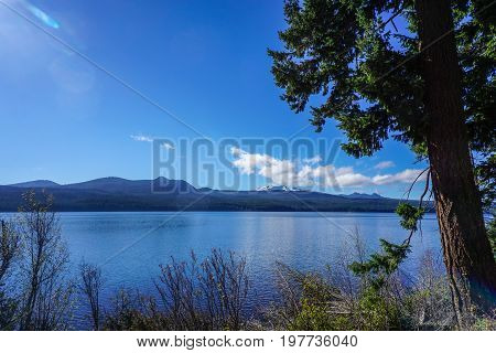 Diamond Lake in Umpqua Forest of Oregon