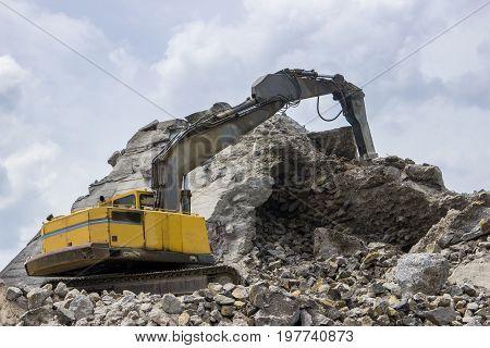 Jackhammer Crashing Reinforced Concrete 2