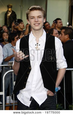 LOS ANGELES - JAN 23:  Kenton Duty arrives at the