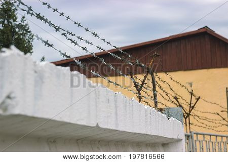 Guardrail and wire netting as a security system