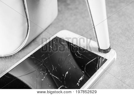 High-heeled shoes break the mobile phone Black and white frame