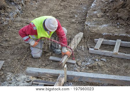 Cutting Wooden Beam For Formwork