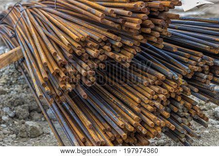 Steel Reinforcing Bars For Reinforcing Concrete