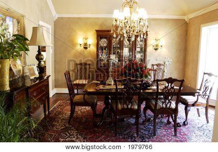Formal Dining Room 001
