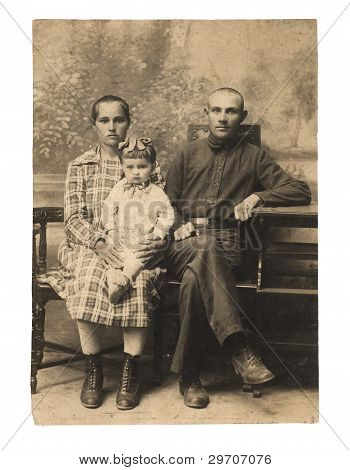 Family. An Ancient Photo Of 1924.