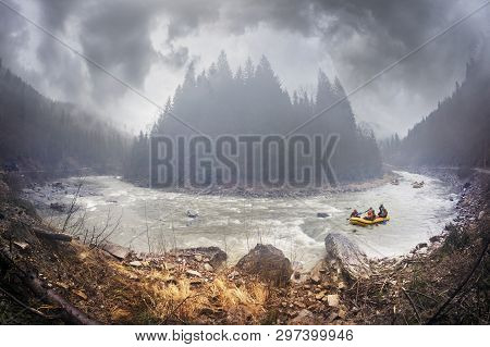 Rafting On The Black Cheremosh River