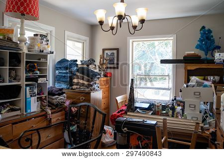 Minneapolis, Minnesota - April 24, 2019: Overcrowded Residential Kitchen In A Home Filled With Junk.