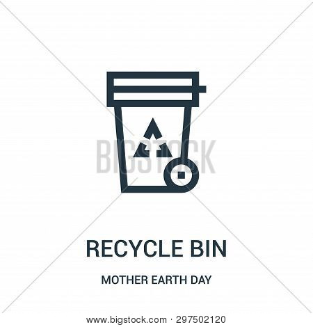 Recycle Bin Icon Isolated On White Background From Mother Earth Day Collection. Recycle Bin Icon Tre