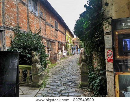 Stratford Upon Avon, England - Circa April 2019 -  Cobble Stone Street Still Exists In The Birthplac